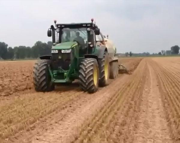 Grazioli液態肥罐車深松施肥作業